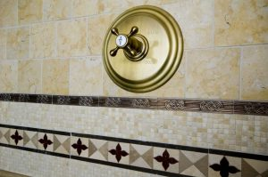 The Perks of Adding a Stone Backsplash To Your Shower